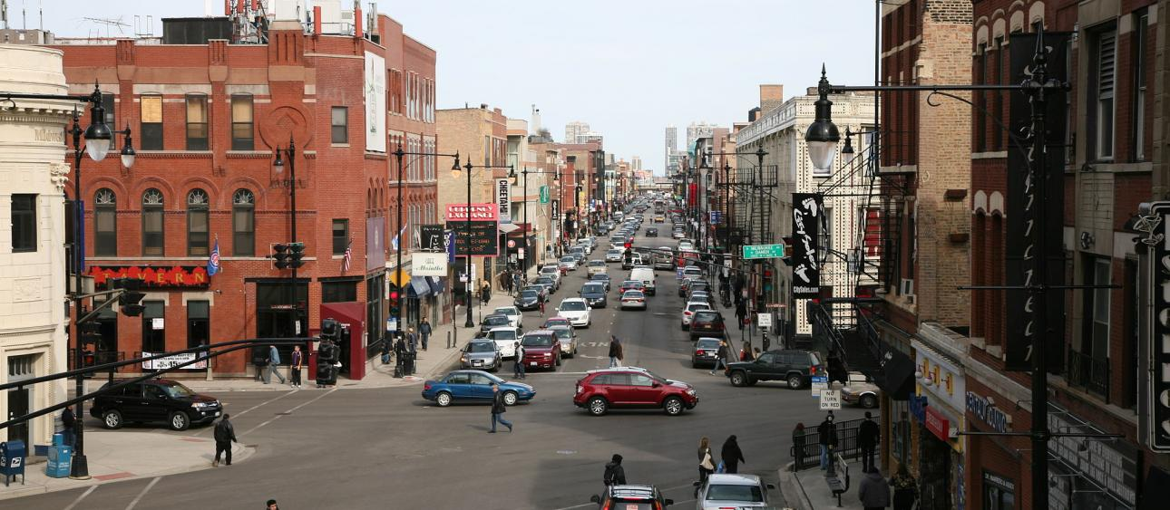Wicker Park, Chicago. Photo by Daniel Schwen (Own work) [CC BY-SA 4.0 (http://creativecommons.org/licenses/by-sa/4.0)], via Wikimedia Commons.